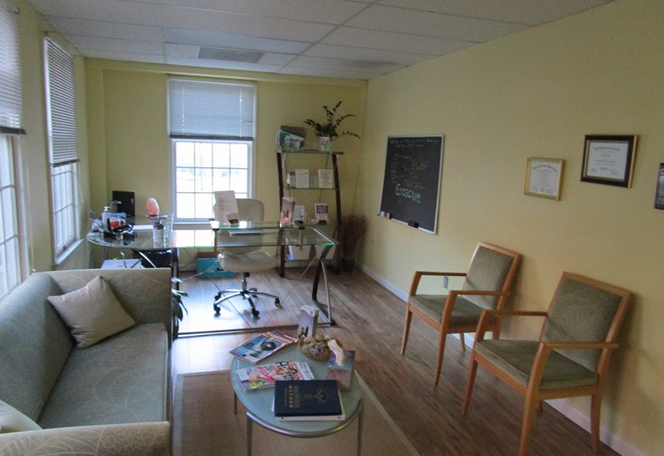 Photo of a seating area at the Egoscue clinic in Arlington, Virginia