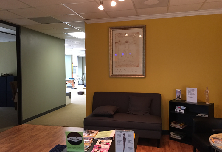 Photo of the reception area at the Egoscue clinic in Houston, Texas