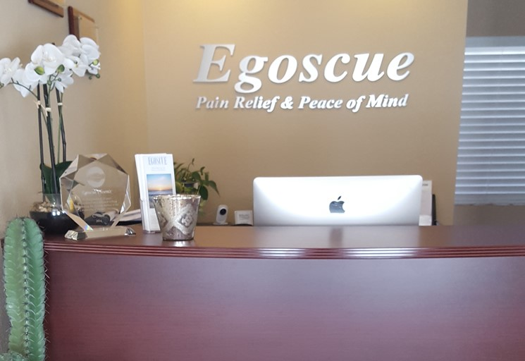 Photo of the reception area front desk at the Egoscue clinic in Phoenix, Arizona