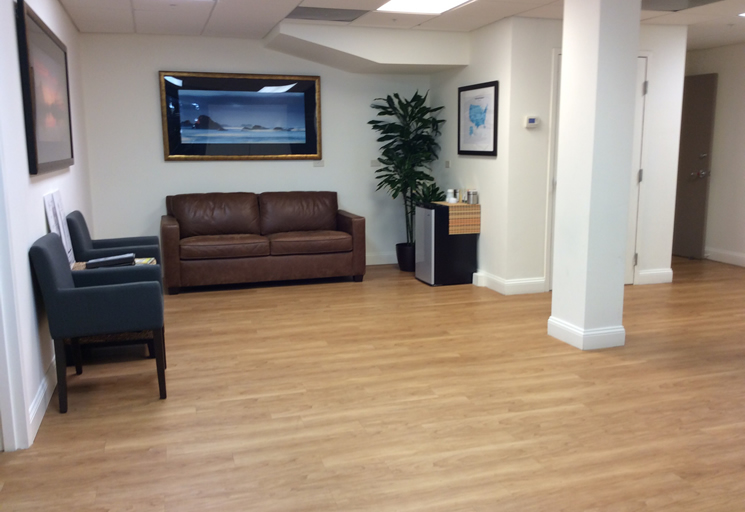 Photo of the reception area at the Egoscue clinic in Tampa, Florida